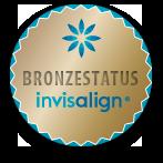 Bronzestatus Invisalign