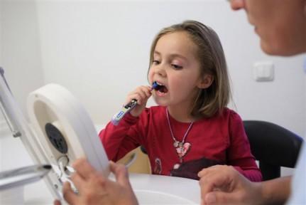 Professionelle Zahnreinigung / Airflow Zahnreinigung
