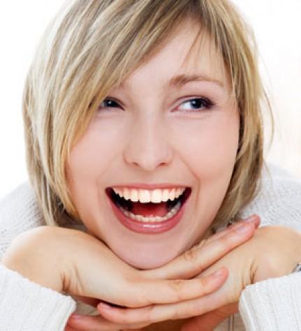 Ein schönes Lächeln mit metallfreiem Zahnersatz aus Zirkon