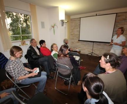Besucher beim 2. Tag der offenen Tür in der Praxis Dr. Lindner