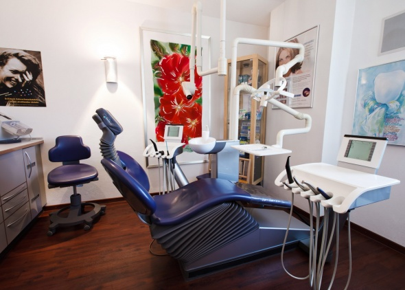 Behandlungszimmer Praxis Dr. Lindner